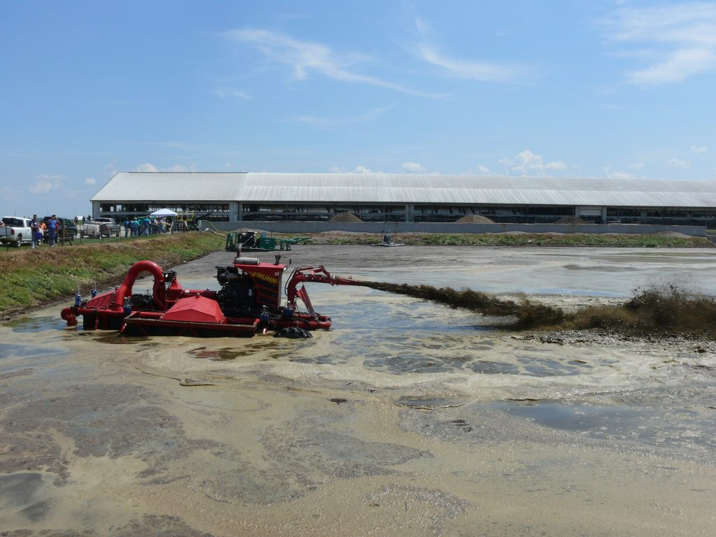 Figure 6: Nuhn Lagoon Crawler specialized for lagoon agitation is systems using sand bedding.