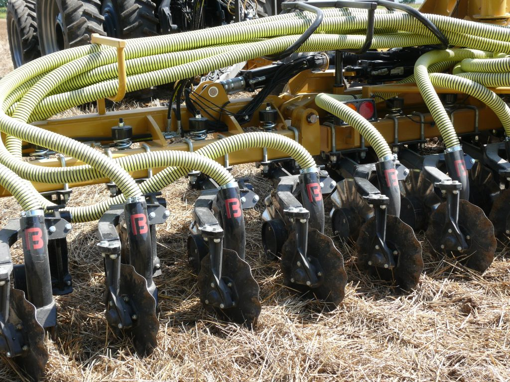 Figure 5: Shallow injection toolbar ideal for application into just-harvested forages or for slurry-seeding cover crops after wheat harvest.