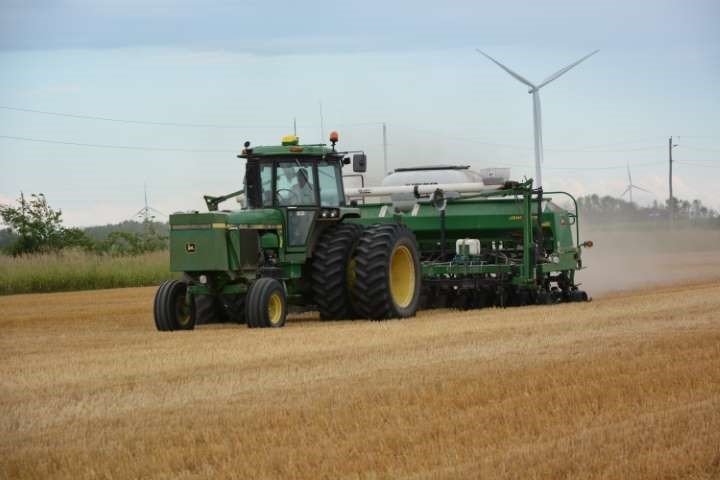 """Figure 2. 7.5"""" rows are recommended for double cropping to ensure fast canopy closure."""